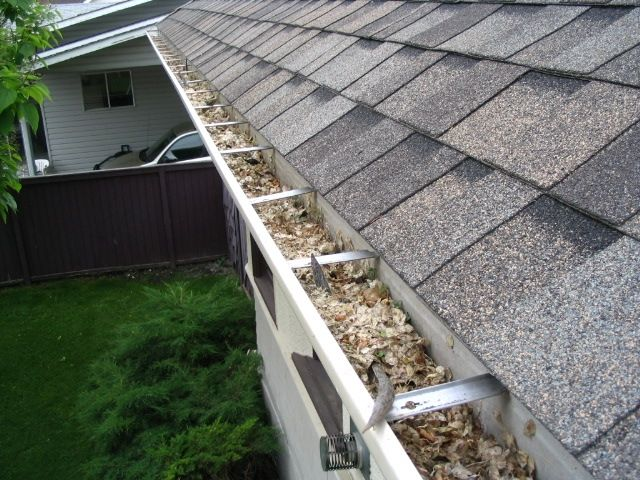 nor-cal-roofing-remove-roof-debris-chico-orland-california